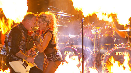 How It REALLY Sounded – Metallica & Lady Gaga: Moth Into Flame (Live at the 59th GRAMMYs)