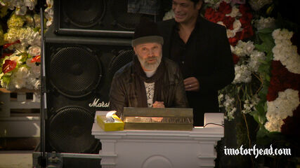 Lars & Robert Pay Tribute to Lemmy